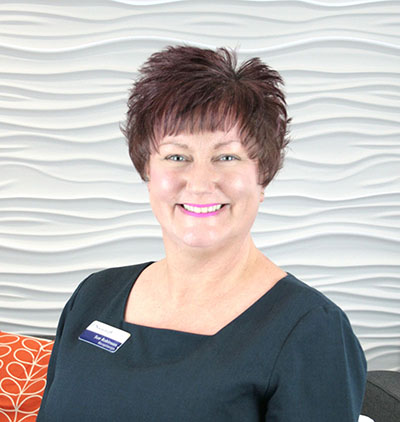 <strong>SUE ROBINSON</strong><br/> Receptionist