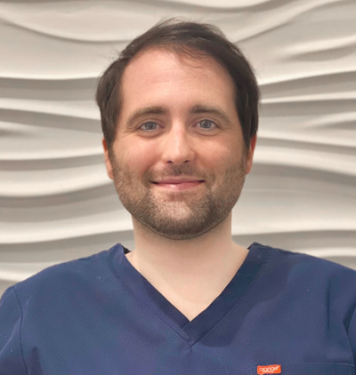 <strong>DR CHRIS BURN</strong><br/> Dentist